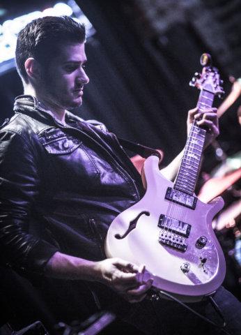 Dan Delcecchio Guitar teacher at Center Stage